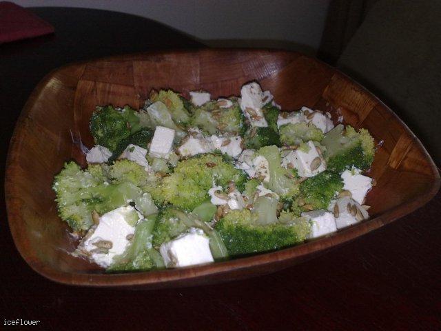 Brokuły z serem feta