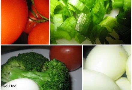 Sałatka z brokułów, jajek i pomidorów