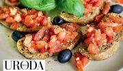 Uroda Życia poleca: bruschetta z pomidorami, czosnkiem i bazylią