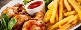 Kurczak w pysznej panierce z frytkami